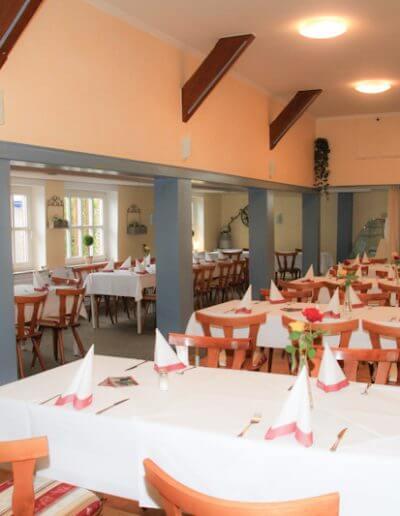 restaurant_kirschenholz_saal_bis_120_gaeste_02
